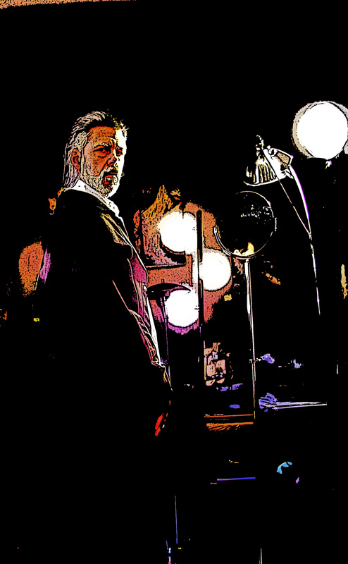 Azarias_in_the_gallery02_poster_edges_brightened_800